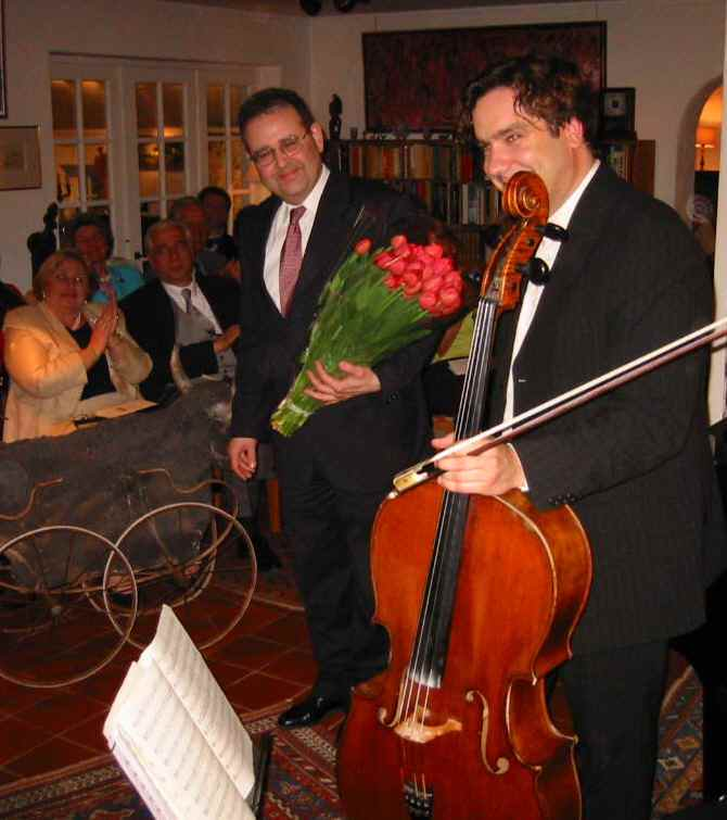 Recital at Icons of Europe: « DVORAK and BRAHMS: Creative friendship ». Copyright © 2004 Icons of Europe, Brussels.