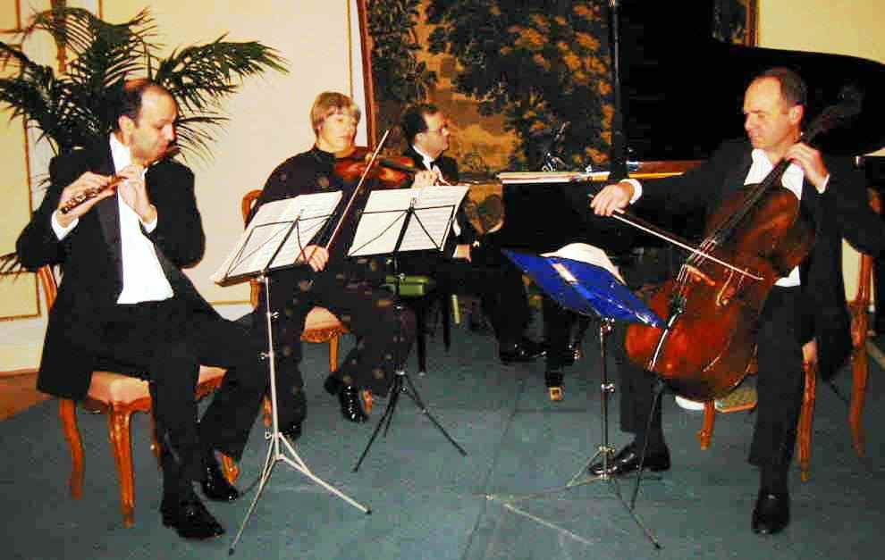 Chamber music concert produced by Icons of Europe in Brussels in 2002 to celebrate the EU enlargement. Copyright © 2002 Icons of Europe, Brussels.